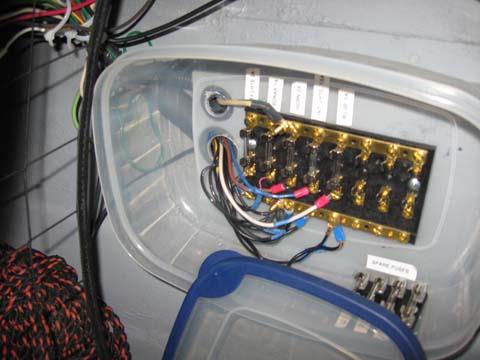 IMG_0005 20110512 fiberglassics� tupperware fuse box fiberglassics� forums condensation in fuse box at readyjetset.co
